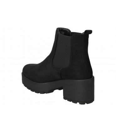 Carmela negro 67000. botines para moda joven