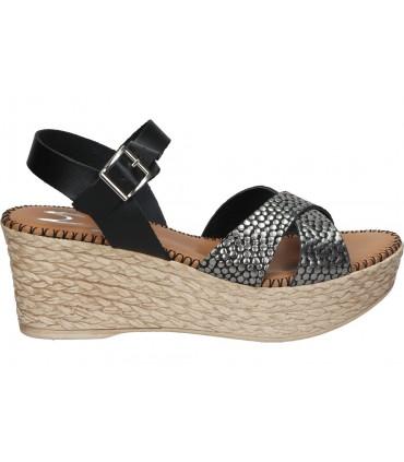 Zapatos para moda joven planos xti 44663 en negro